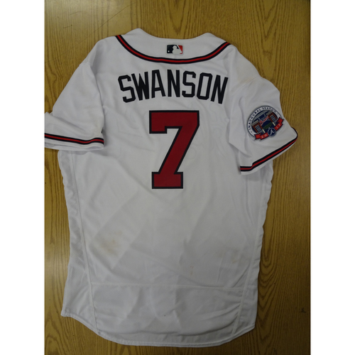 Photo of Dansby Swanson Game-Used Los Bravos Jersey - Worn 9/17/17 at SunTrust Park