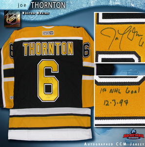 JOE THORNTON Signed Boston Bruins CCM Black Jersey with