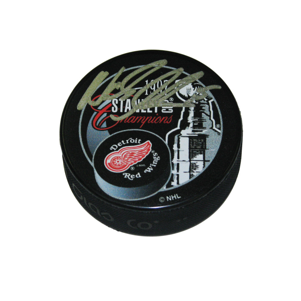 NICKLAS LIDSTROM Signed 1997 Stanley Cup Champions Puck - Detroit Red Wings