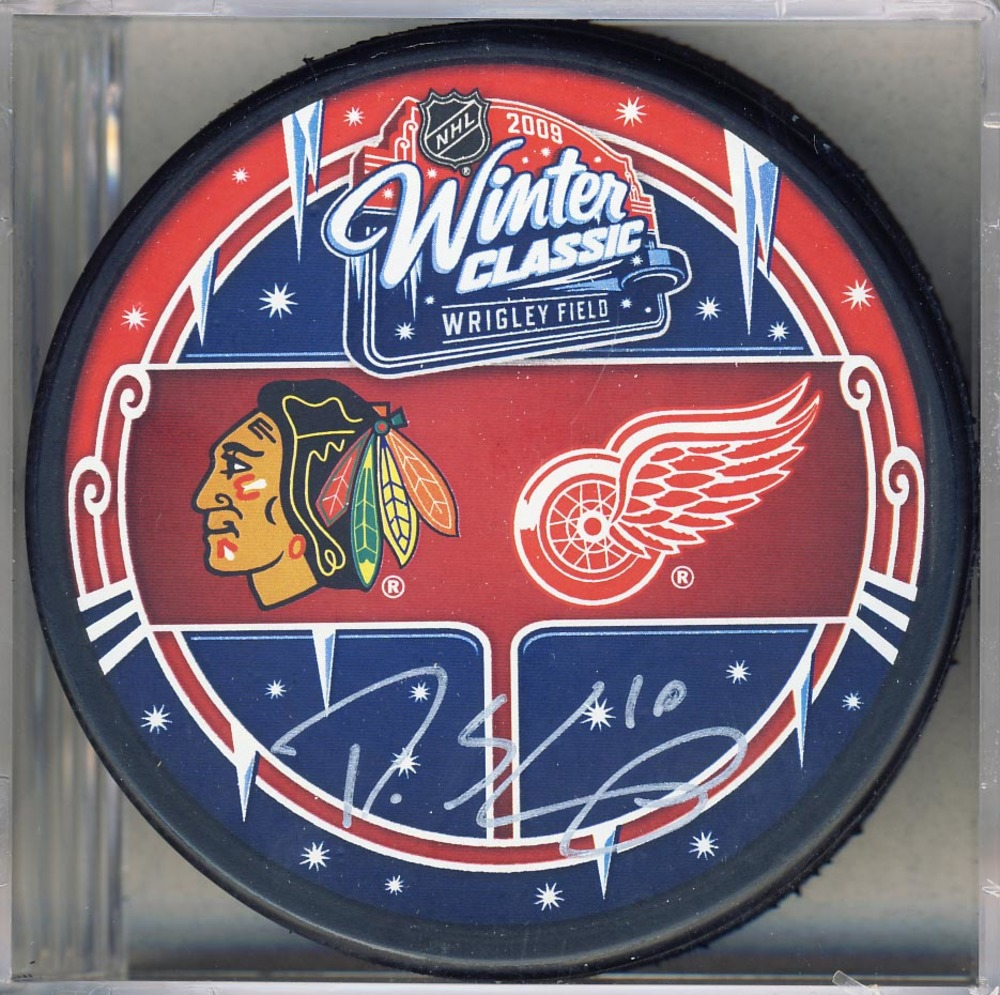 Patrick Sharp Chicago Blackhawks Autographed 2009 Winter Classic Puck *Dallas Stars*