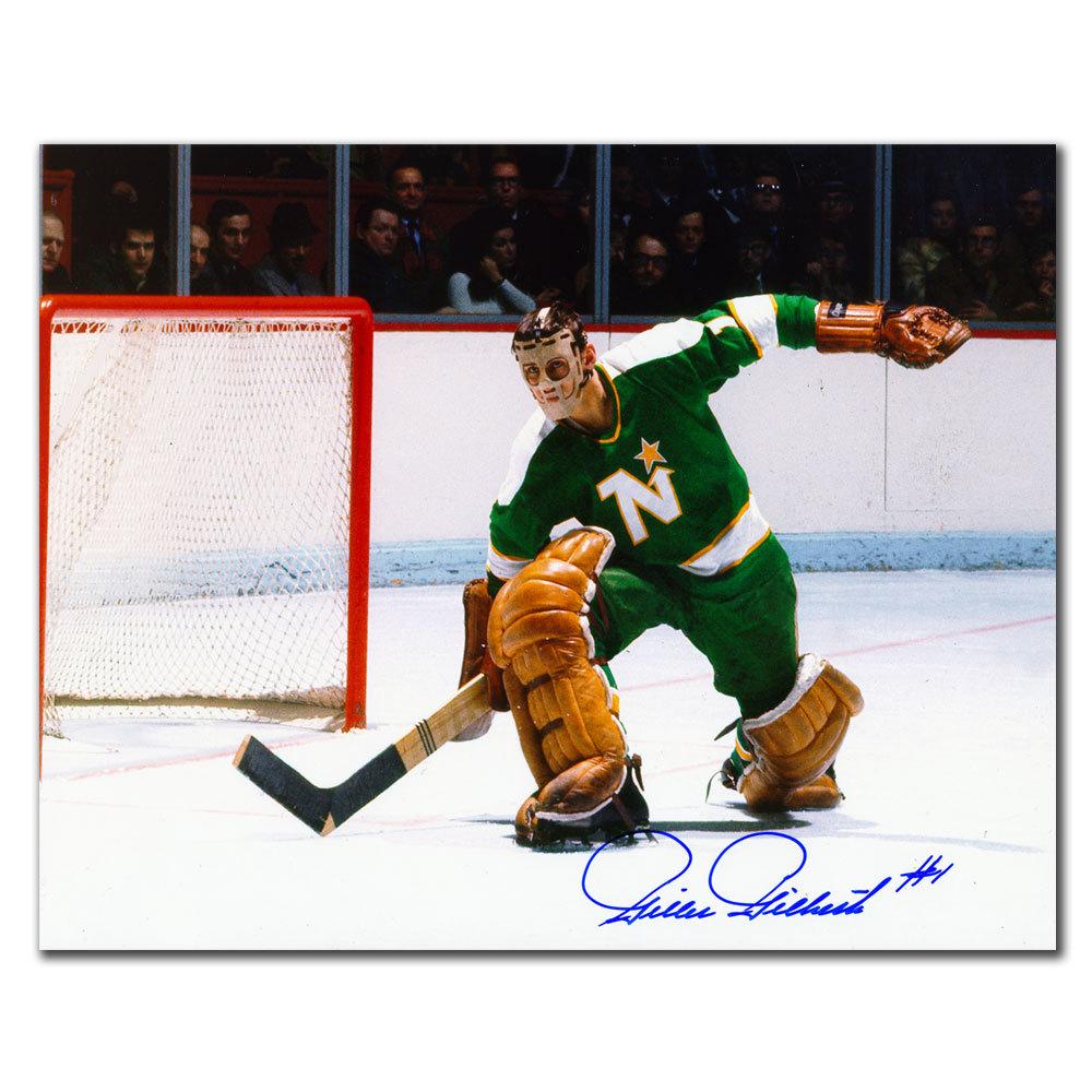Gilles Gilbert Minnesota North Stars Autographed 8x10