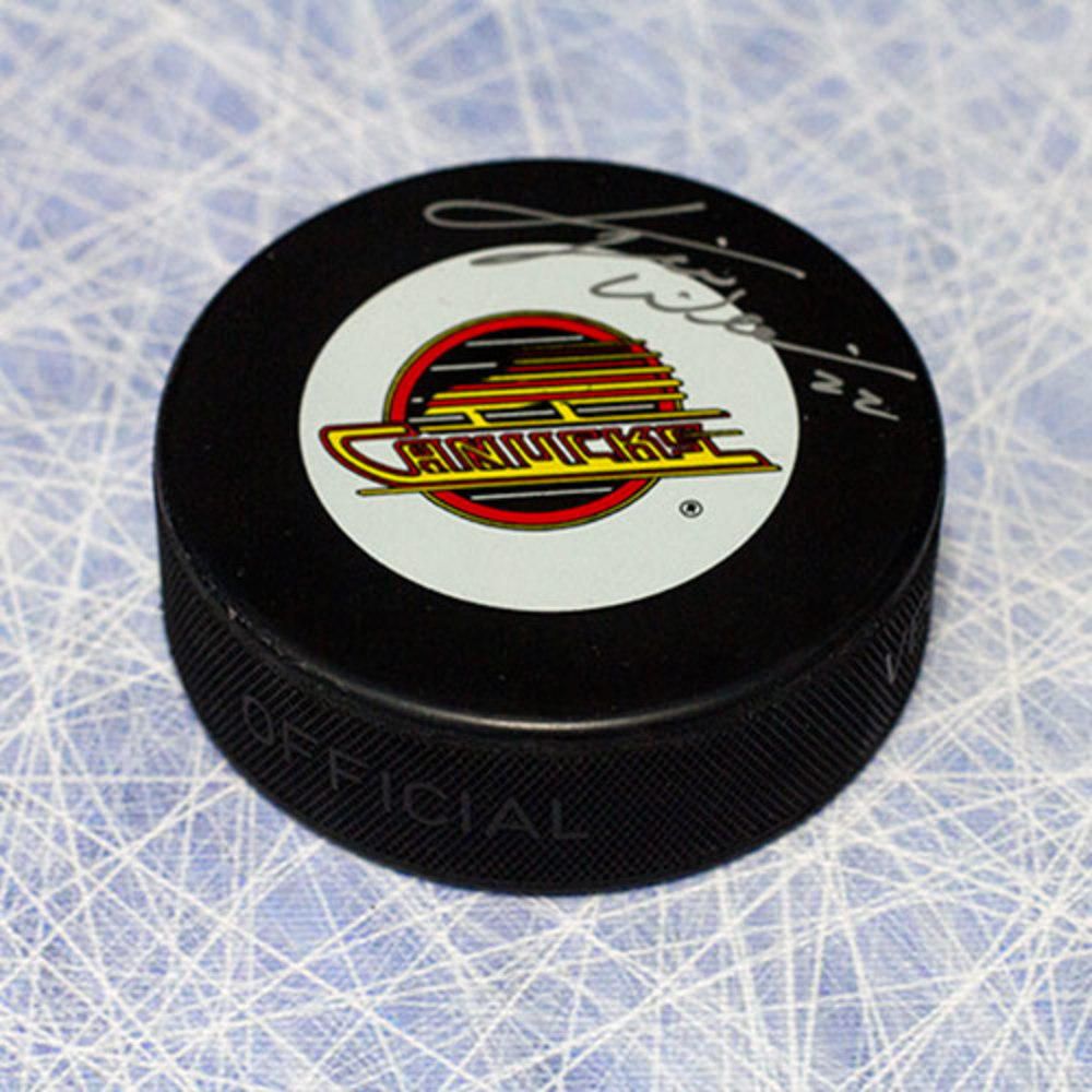 Tiger Williams Vancouver Canucks Autographed Vintage Logo Hockey Puck