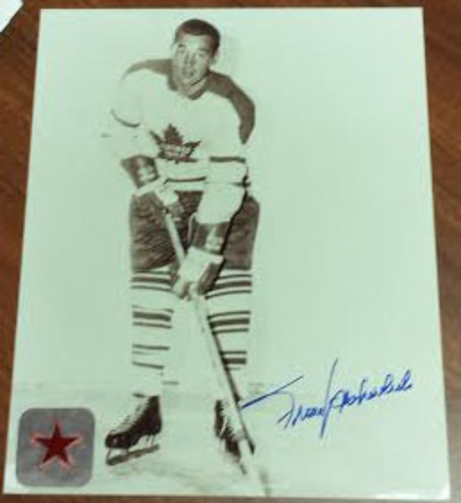 Frank Mahovlich stunningly autographed 8x10 Home Photo.