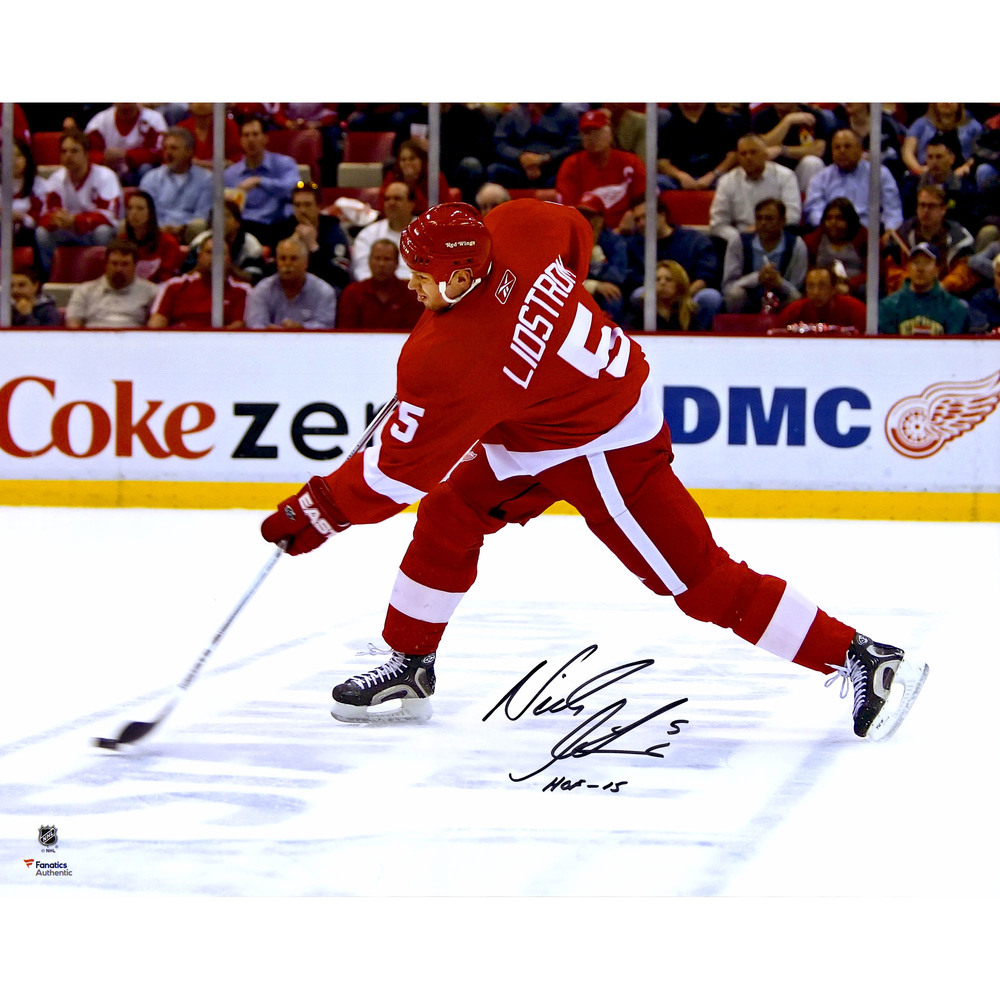 Nicklas Lidstrom Detroit Red Wings Autographed 16