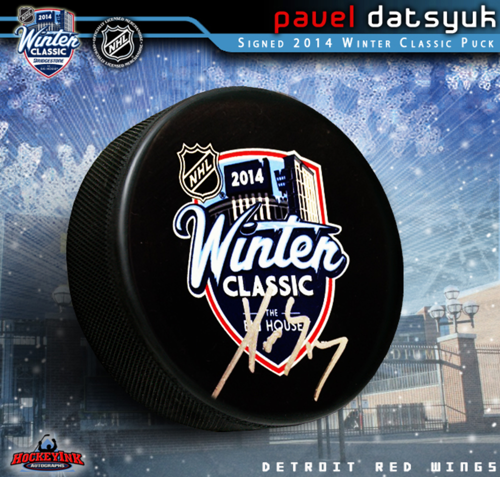 PAVEL DATSYUK Signed 2014 NHL WINTER CLASSIC Souvenir Puck