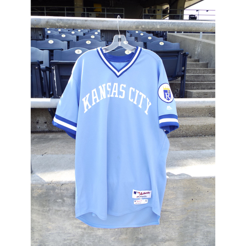 Photo of Game-Used Retro 1976 Salvador Perez Jersey (Size 48) and Pant (40-49-36) Set 6/4/16