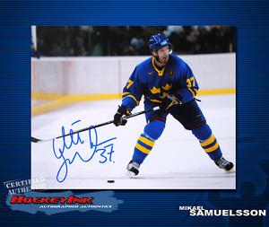 MIKAEL SAMUELSSON Signed Team Sweden 8 X 10 Photo - 70322
