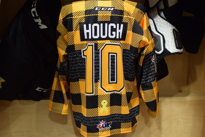 #10 Cameron Hough Game Issued Kingston Frontenacs Hockey Fights Cancer Plaid Jersey