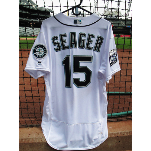 Photo of Kyle Seager Game Used Home 40th Anniversary White Jersey May 15, 2017 Size 46