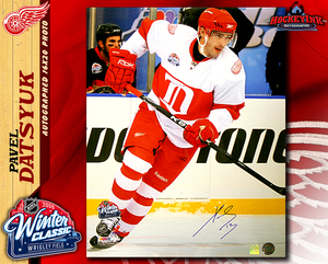 PAVEL DATSYUK Signed Detroit Red Wings 2009 Winter Classic 16 X 20 Photo