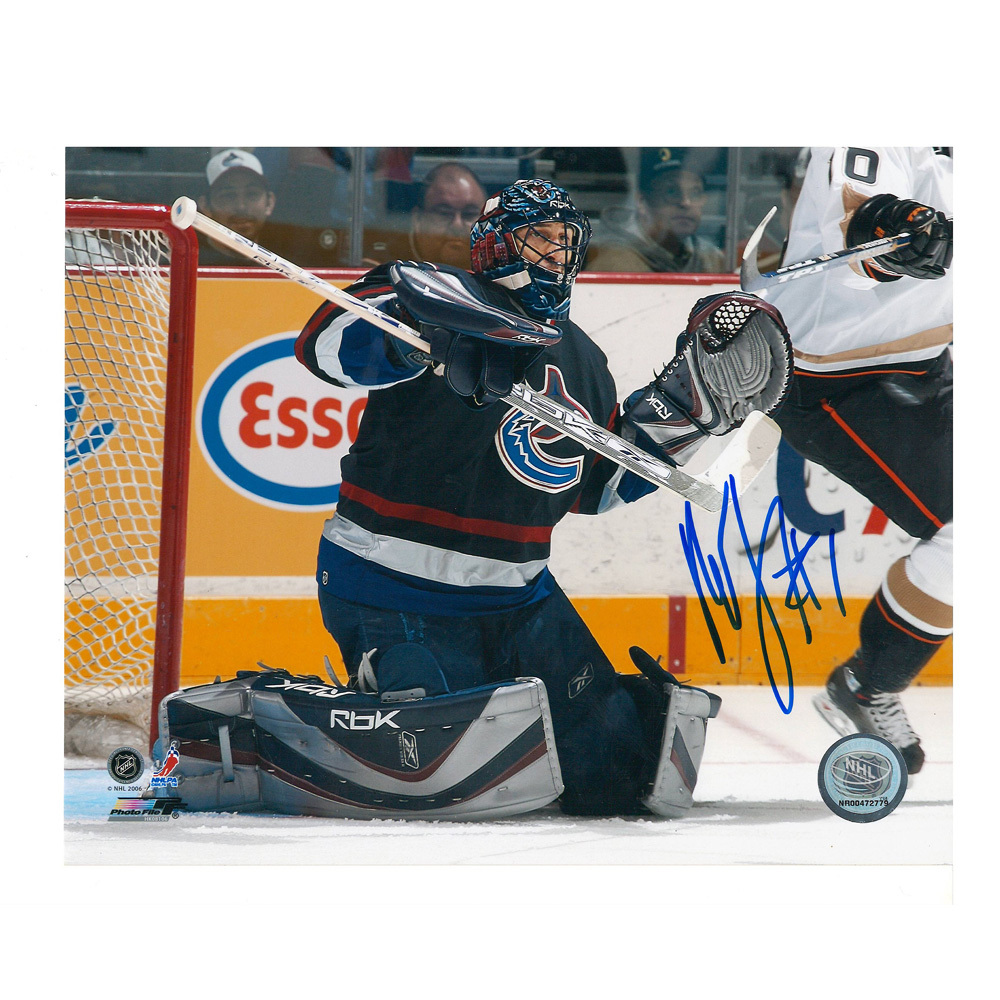 ROBERTO LUONGO Signed Vancouver Canucks 8 X 10 Photo - 70378