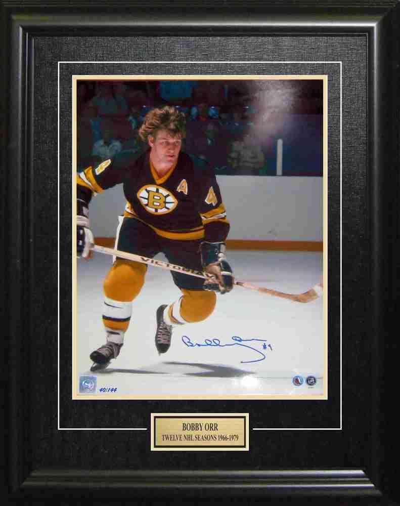 Bobby Orr - Signed & Framed 11x14