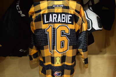 #16 Paul Larabie Game Issued Kingston Frontenacs Hockey Fights Cancer Plaid Jersey