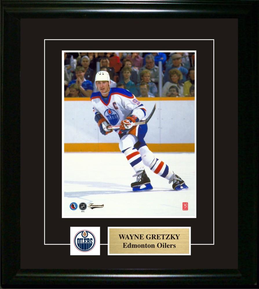 Wayne Gretzky Unsigned 8