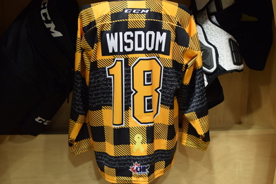 #18 Zayde Wisdom Game Issued Kingston Frontenacs Hockey Fights Cancer Plaid Jersey