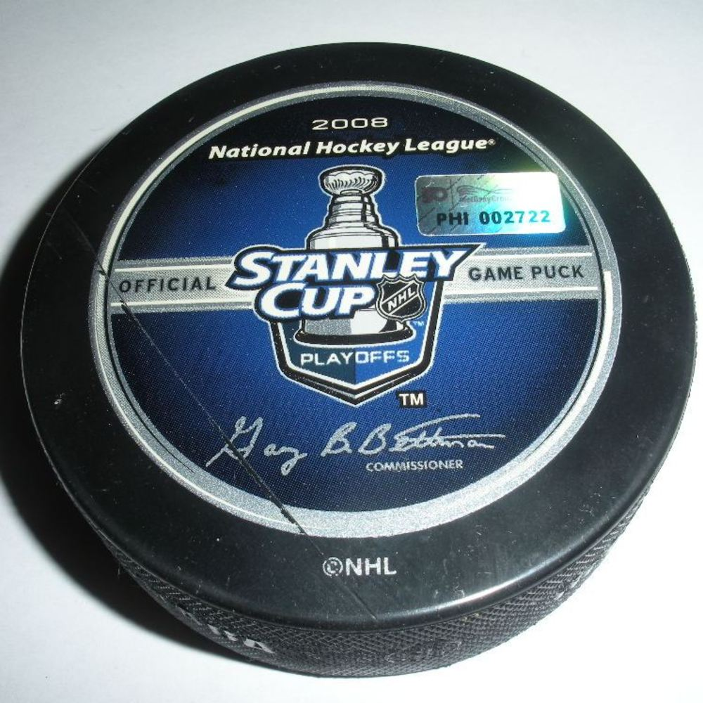 Saku Koivu - Montreal Canadiens - Goal Puck - April 28, 2008 - Eastern Conf. Semifinals Game 3 (Flyers/Stanley Cup Logo)