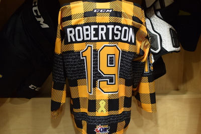 #19 Jason Robertson Game Issued Kingston Frontenacs Hockey Fights Cancer Plaid Jersey