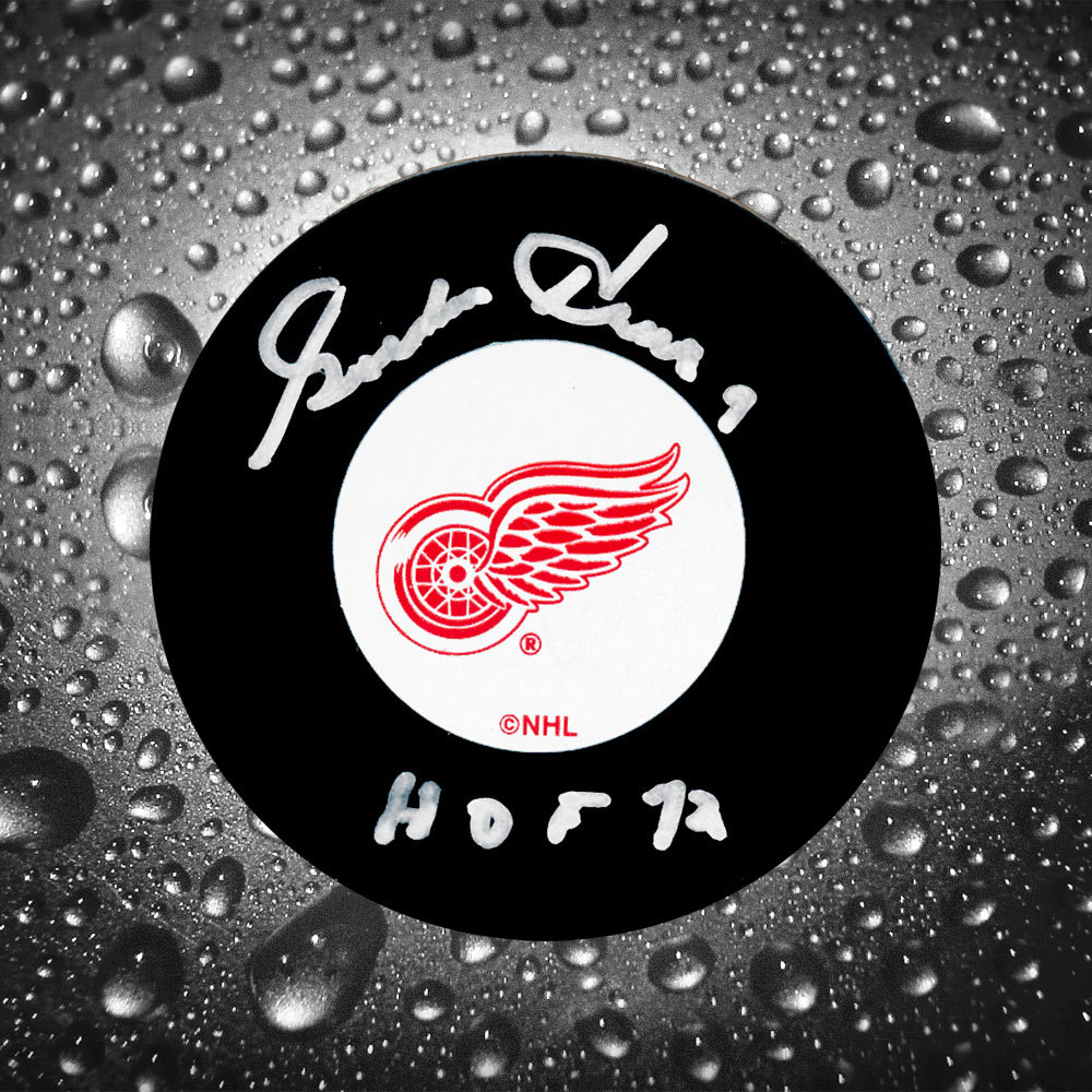 Gordie Howe Detroit Red Wings HOF Autographed Puck