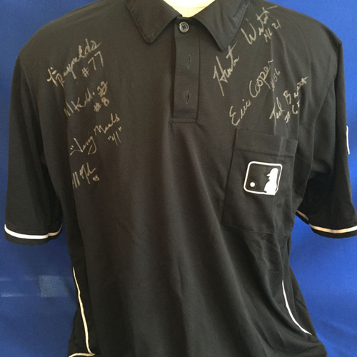 Photo of UMPS CARE AUCTION: 2014 World Series Crew Signed Umpire Jersey with World Series Patch, Size 2XL