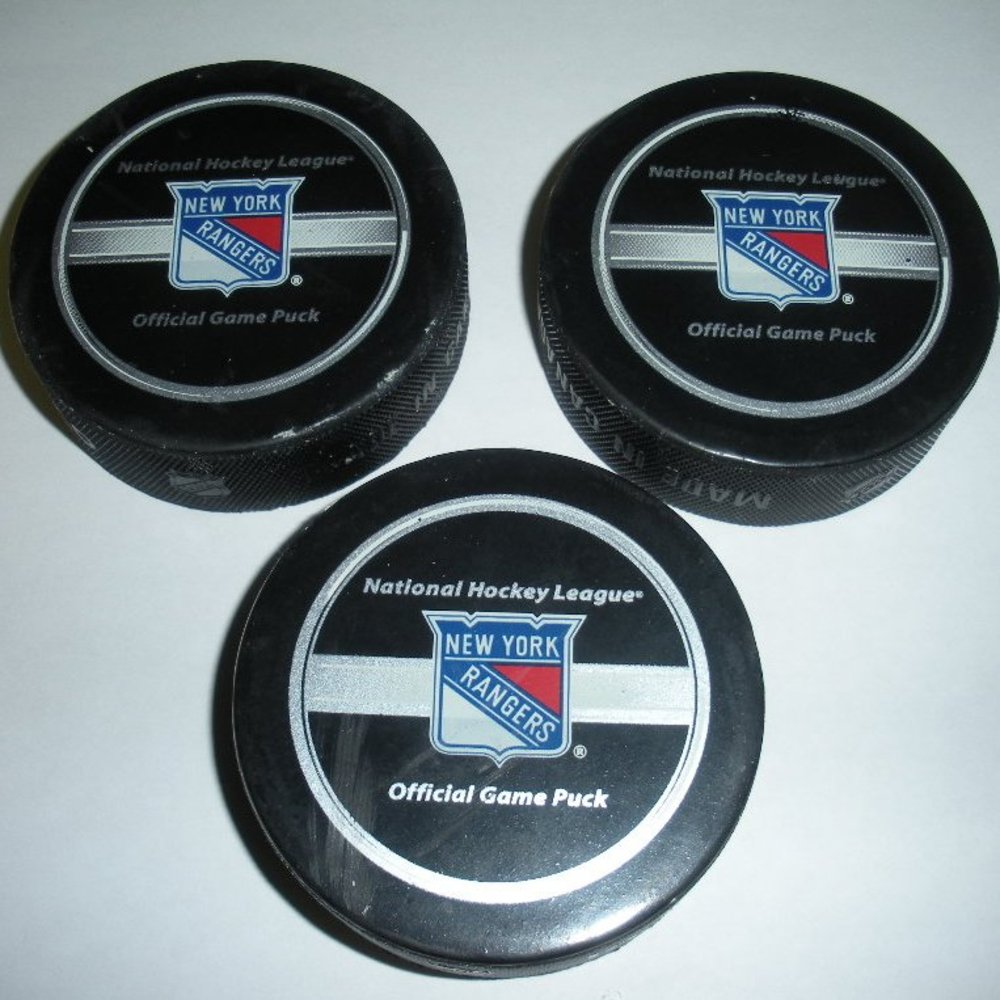 Henrik Lundqvist - New York Rangers - Shutout Pucks - February 24, 2008 - Set of 3 ( 1st, 2nd and 3rd Periods) (Rangers Logo)