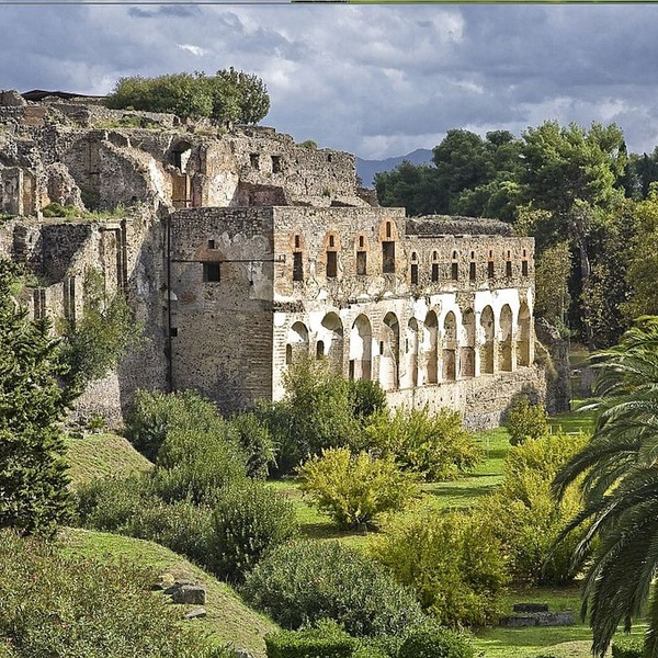 Click to view Tour of Pompeii with Hilton Sorrento Palace.