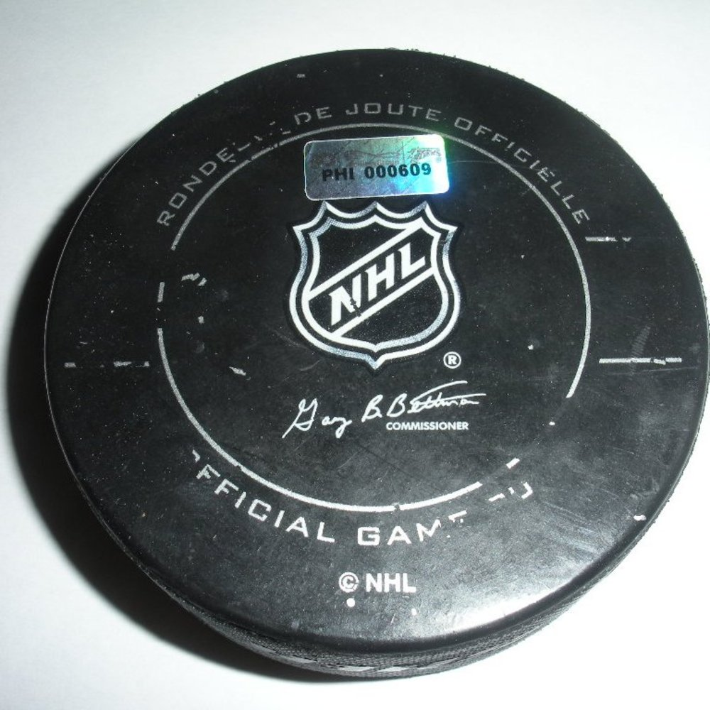 Henrik Sedin - Vancouver Canucks - Goal Puck - October 12, 2011 (Flyers Logo)