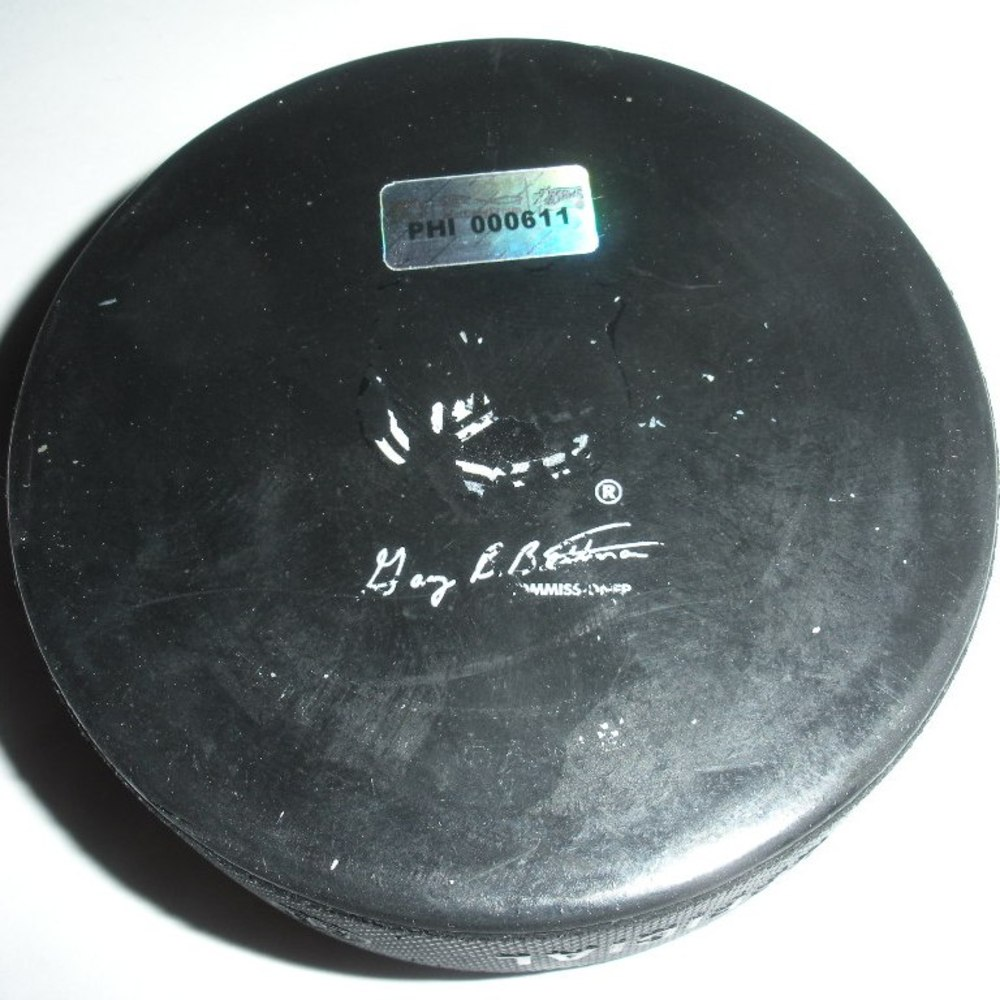 Daniel Sedin - Vancouver Canucks - Goal Puck - October 12, 2011 (Flyers Logo)