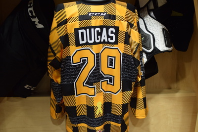#29 Ryan Dugas Kingston Frontenacs Game Issued Hockey Fights Cancer Plaid Jersey