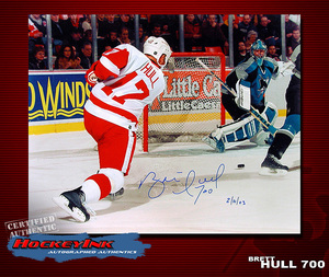 BRETT HULL Signed 700th Goal 16 X 20 Photo - 77019 Detroit Red Wings