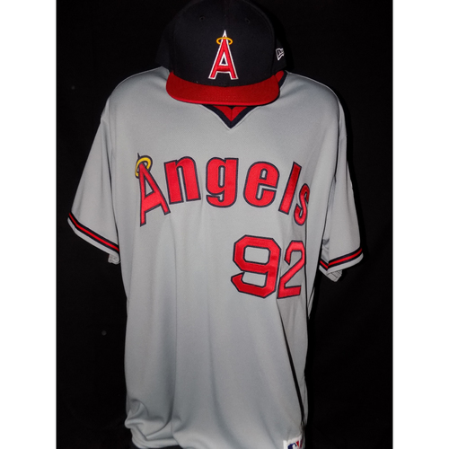 Photo of Anel De Los Santos Game-Used 1977 Road Grey Throwback Jersey And Cap