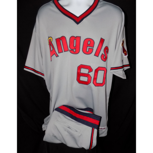 Photo of Eduardo Paredes Game-Used 1977 Road Grey Throwback Jersey