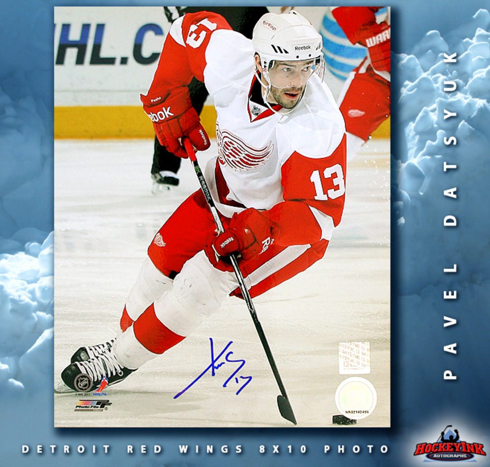 PAVEL DATSYUK Signed Detroit Red Wings 8 X 10 Photo - 70493