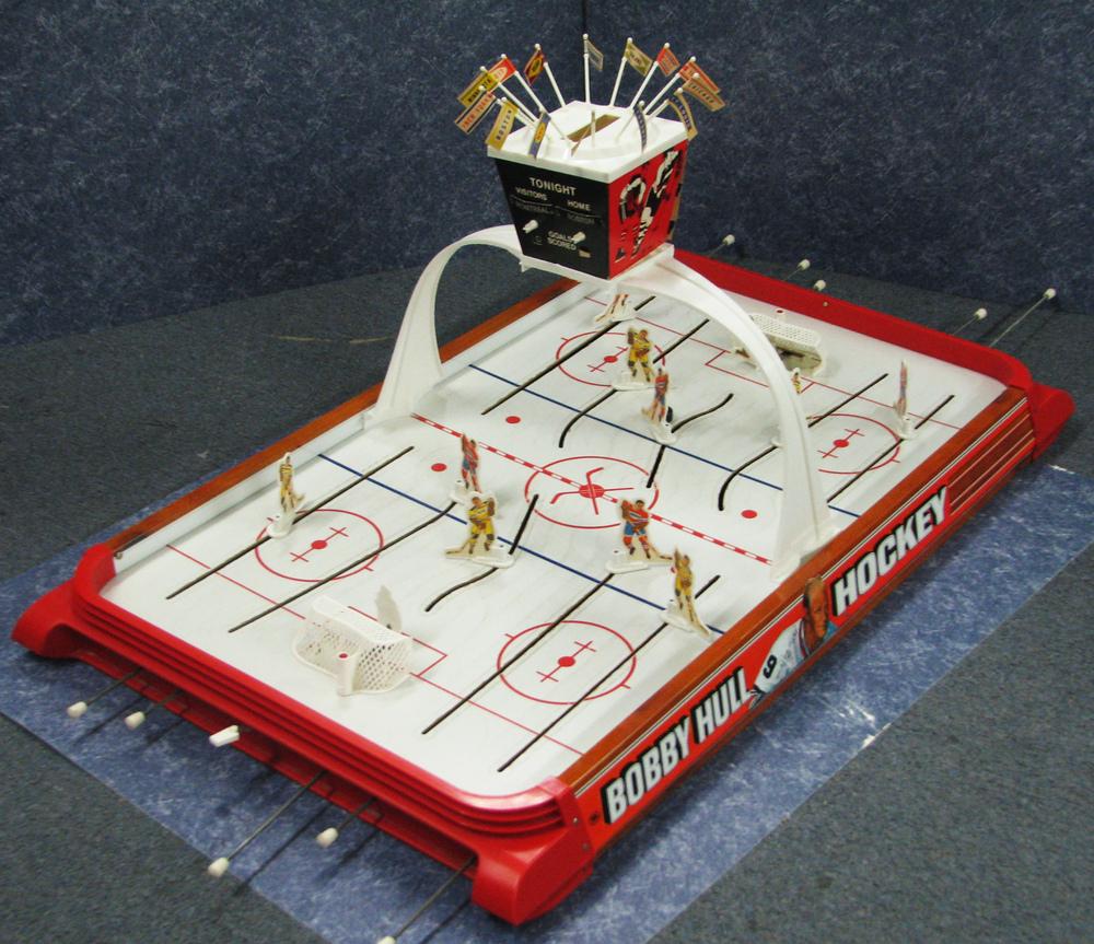 Vintage table hockey - Bobby Hull Hockey Gold Cup Series Vintage Table Top Hockey Game Bobby Hull Hockey Gold Cup Series Vintage Table Top Hockey Game