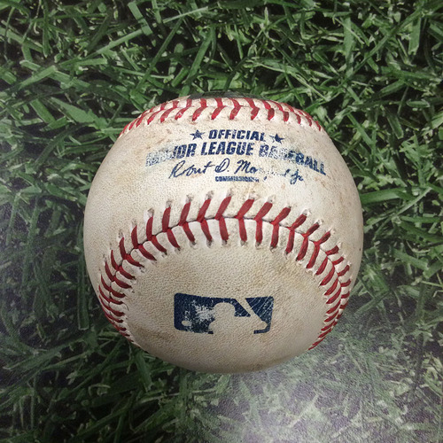 'Photo of Game Used Baseball LAD@MIL 5/6/15 HZ549120 - Peralta to Wieland: Foul Ball FREE AUTOGRAPHED BASEBALL INCLUDED WITH WINNING BID' from the web at 'http://vafloc02.s3.amazonaws.com/isyn/images/f820/img-482820-m.jpg'