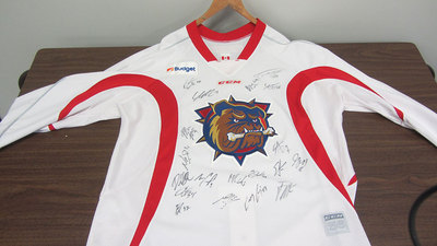 AHL WHITE PRACTICE TEAM SIGNED JERSEY