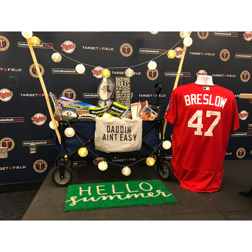 Photo of 2017 Twins Favorite Things Auction: Craig Breslow Favorite Things Basket