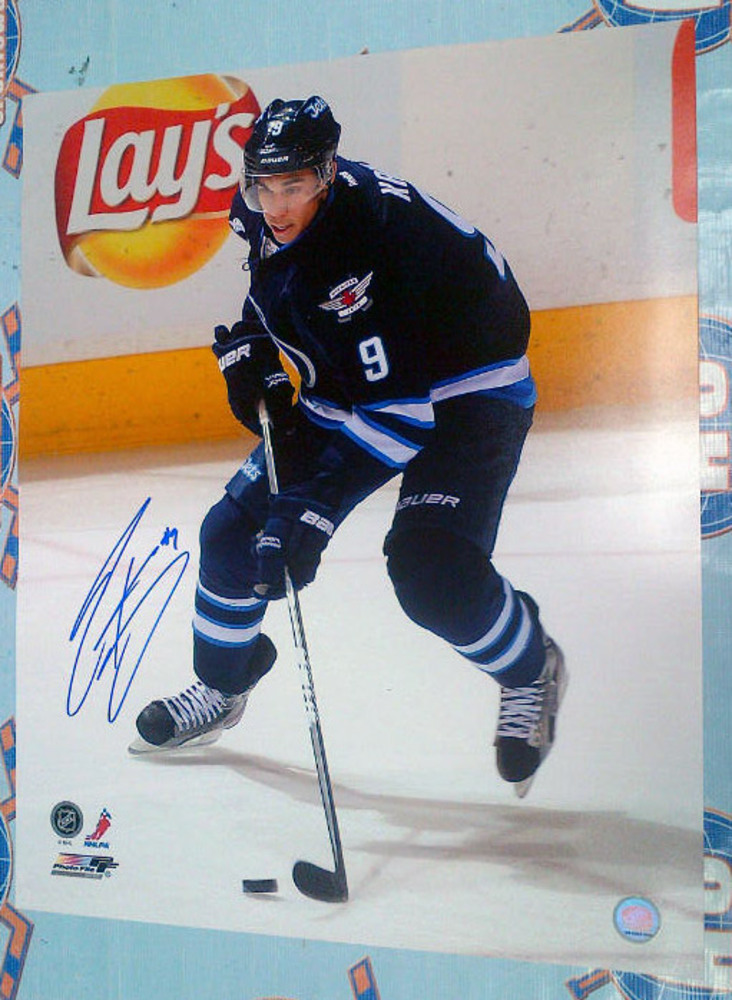 EVANDER KANE Winnipeg Jets Autographed 16X20 Photo *Slight Bend in Top Left Corner*