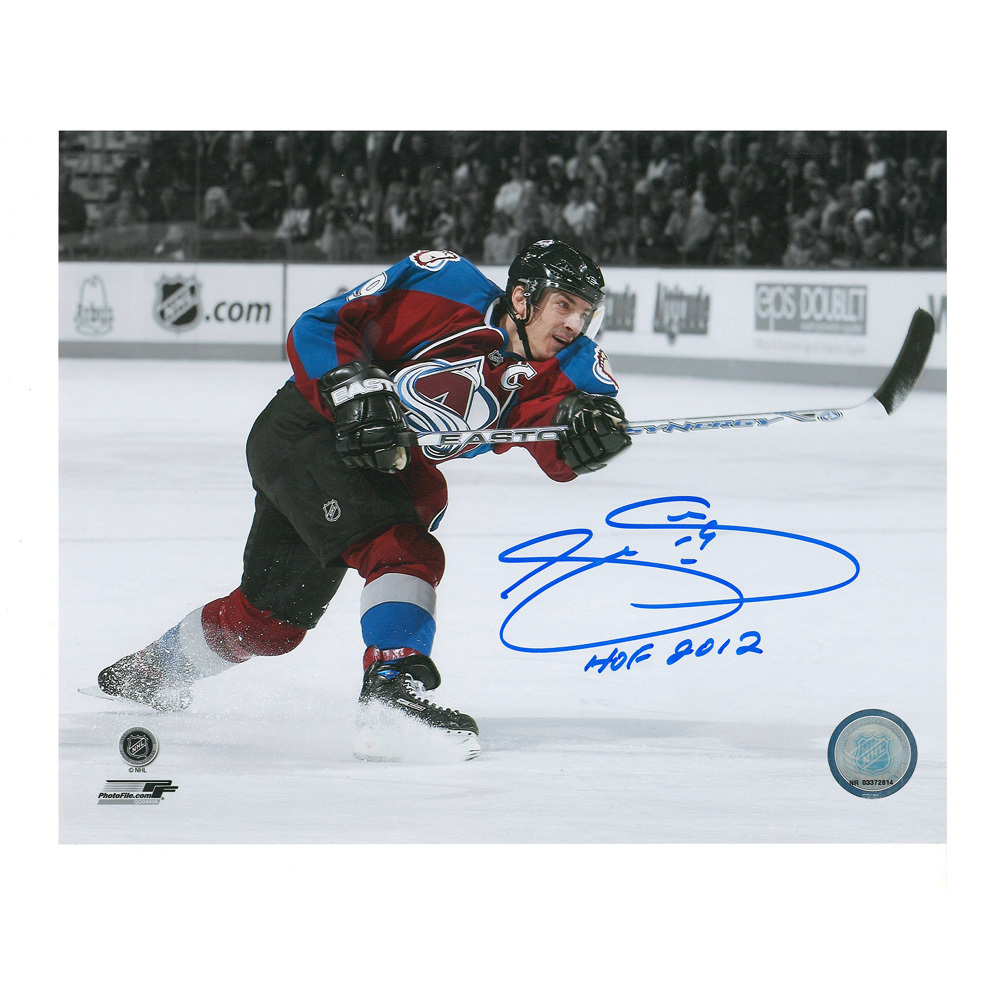 JOE SAKIC Signed Colorado Avalanche 8 X 10 Photo with HOF 2012 inscription - 70320