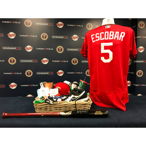 Photo of 2017 Twins Favorite Things Auction: Eduardo Escobar Favorite Things Basket