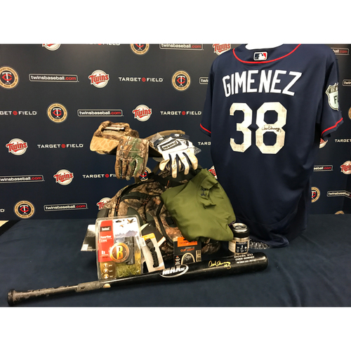 Photo of 2017 Twins Favorite Things Auction: Chris Gimenez Favorite Things Basket