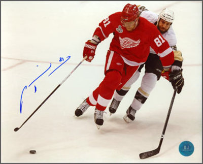 MARIAN HOSSA Detroit Red Wings SIGNED 8x10 Photo