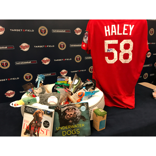 Photo of 2017 Twins Favorite Things Auction: Justin Haley Favorite Things Basket
