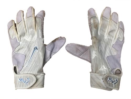 Photo of Jon Jay Game-Used Batting Gloves -- Blue Jays vs. Cubs -- 8/20/17