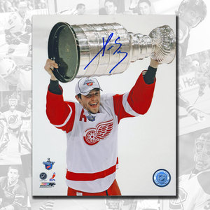 Pavel Datsyuk Detroit Red Wings 2008 Stanley Cup Autographed 8x10