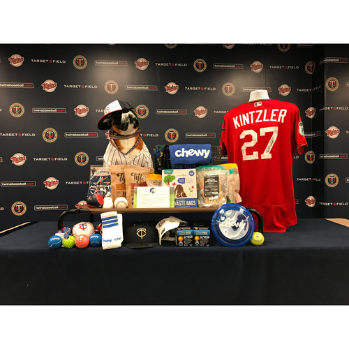 Photo of 2017 Twins Favorite Things Auction: Brandon Kintzler Favorite Things Basket