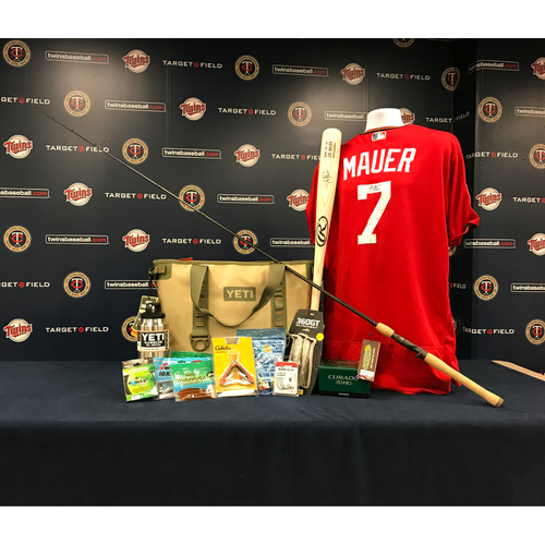 Photo of 2017 Twins Favorite Things Auction: Joe Mauer Favorite Things Basket