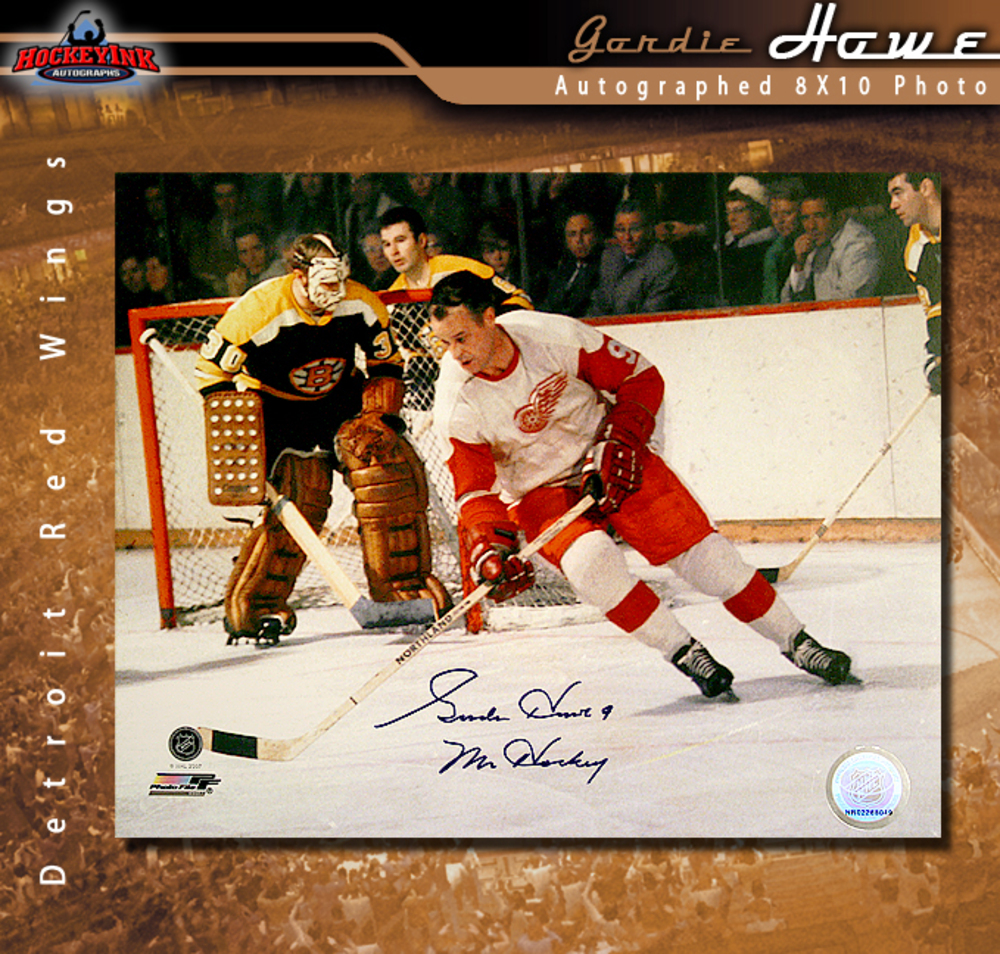 GORDIE HOWE Signed Detroit Red Wings 8 X 10 Photo - 70435