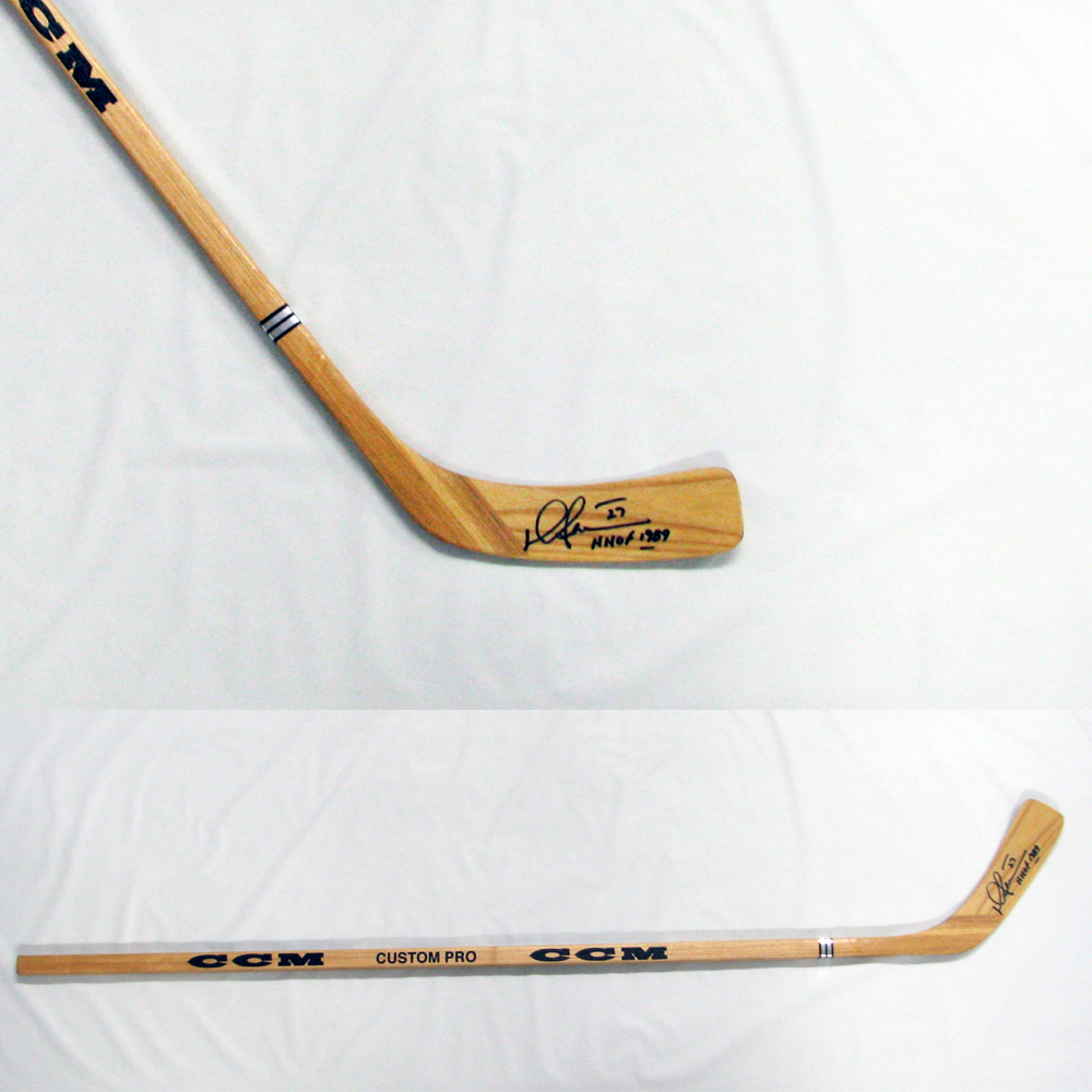 DARRYL SITTLER Signed CCM Stick with HHOF 1989 inscription - Toronto Maple Leafs