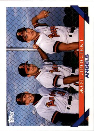 Photo of 1993 Topps #633 Three Russians UER/Rudolf Razjigaev/Eugneyi Puchkov/Ilya Bogatyrev/Bogatyrev is a sh