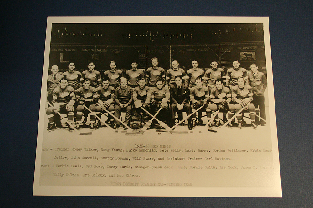 VINTAGE Detroit Red Wings 1935-1936 Team Photo